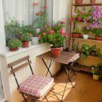 Dekorasi Vas Bunga Untuk Rumah Kecil