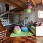 4 Cara Menata Rumah Anak Agar Aman Saat Bermain Di Tangga