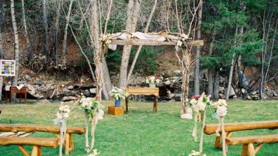 Dekorasi Pernikahan Kreatif untuk Resepsi Cantik di Halaman Rumah